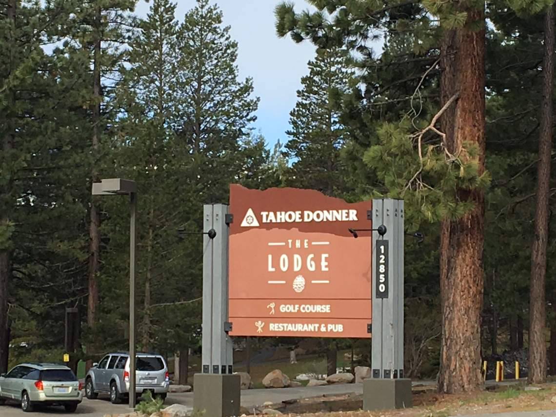 TD The Lodge Sign