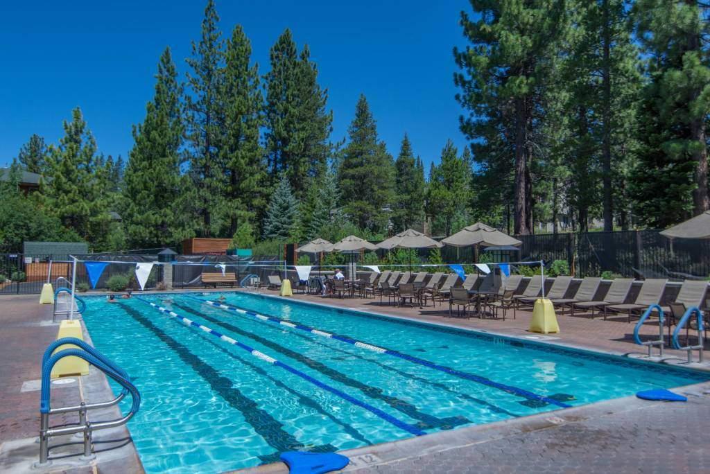 Tahoe-Donner-Swimming-Pool