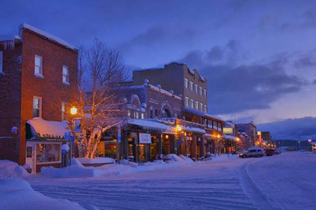 downtown-truckee-at-dawn-california-620x413